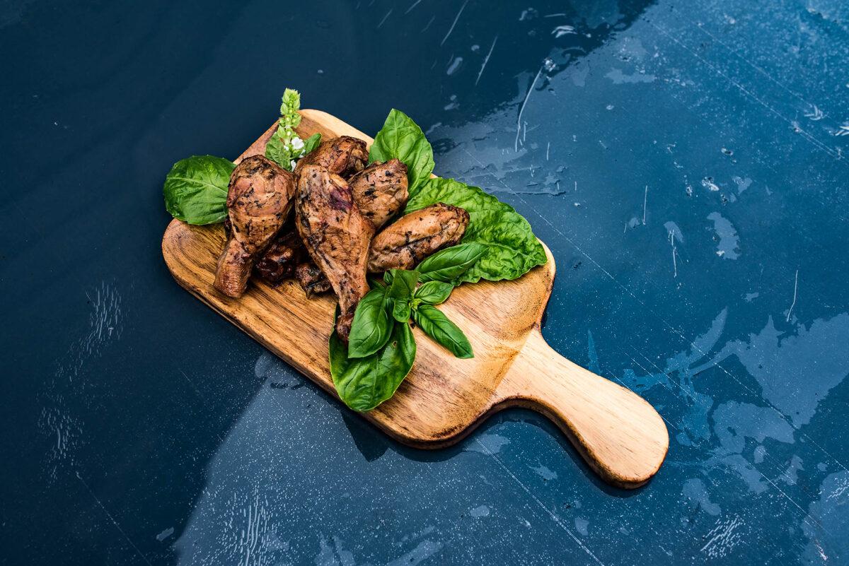 Kūpināti vistu stilbi (1kg)